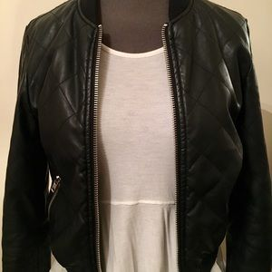 BRANDY MELVILLE QUILTED BOMBER JACKET